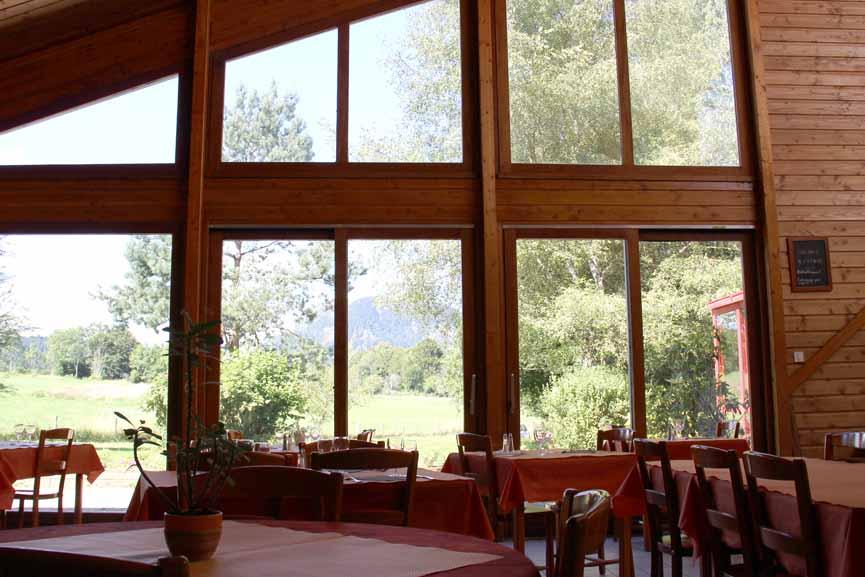 Dejeuner et diner avec vue sur le Puy de Dome